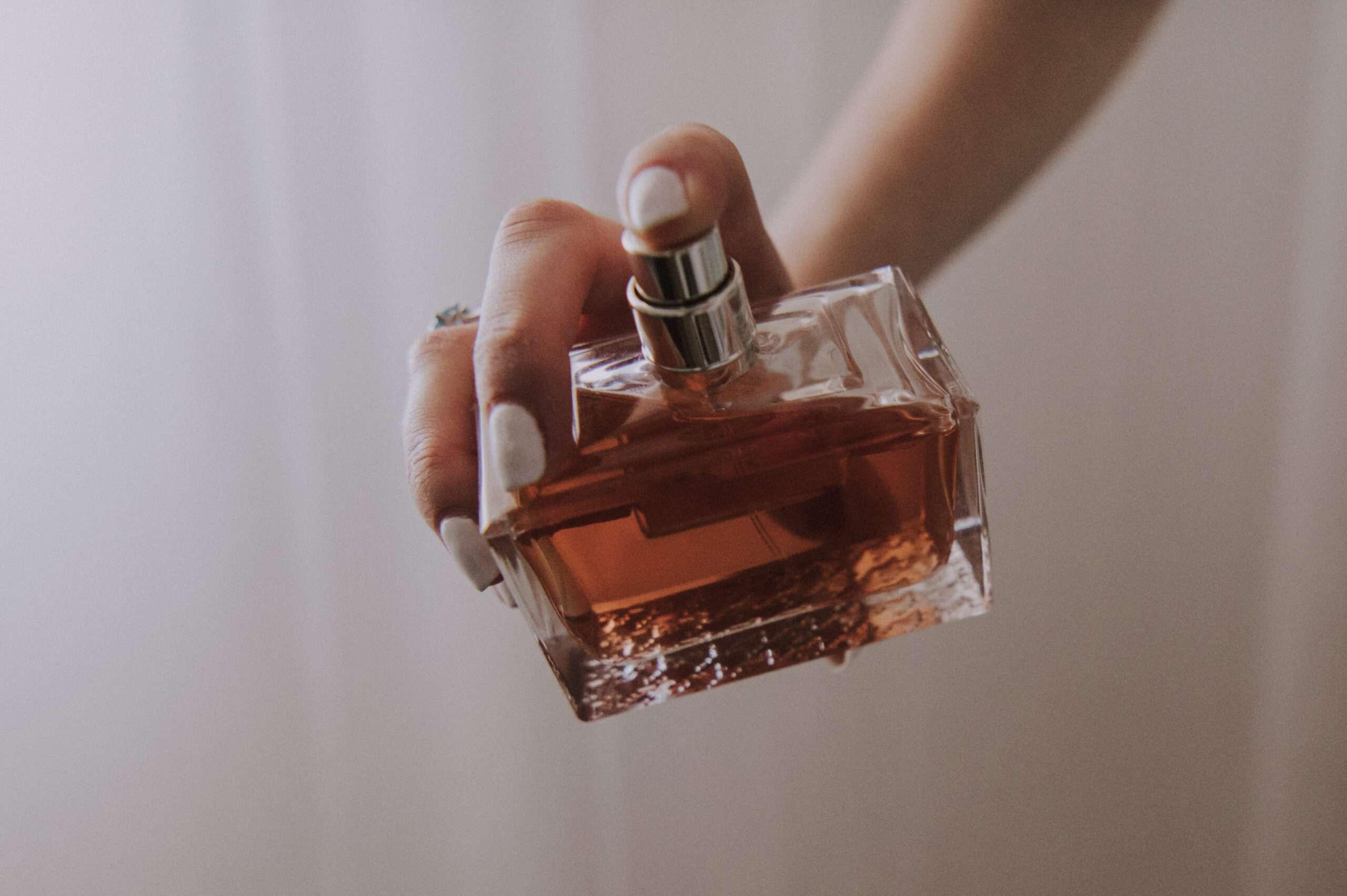 perfume-HUDYK82